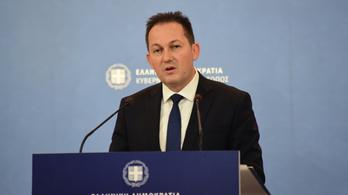 Embercsempészettel vádol civil szervezeteket a görög kormány