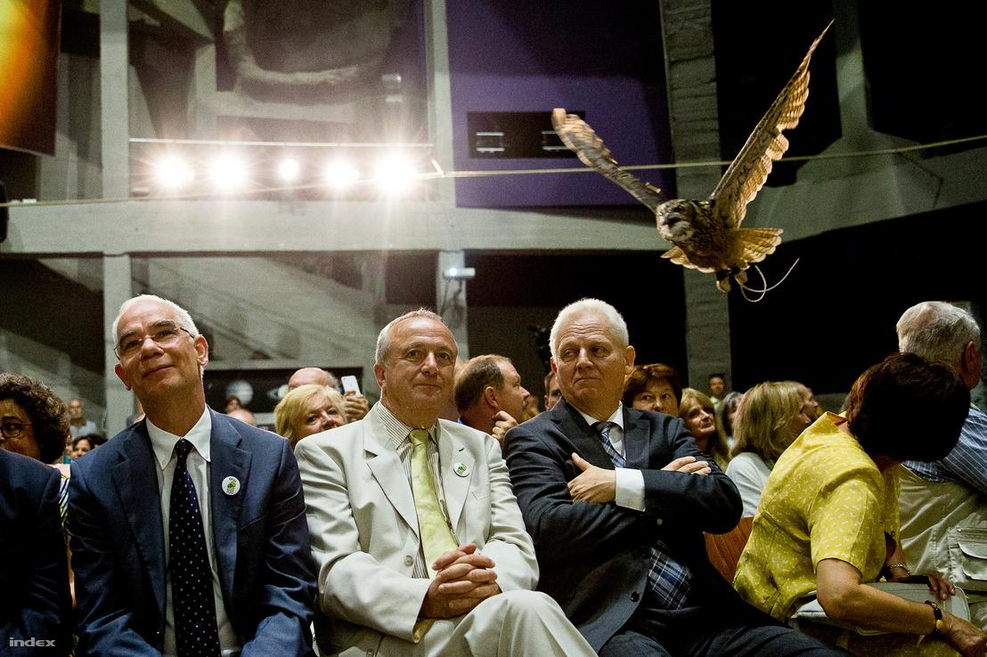 Balog Zoltán, Persányi Miklós és Tarlós István a Fővárosi Állat- és Növénykert megnyitásának 150 éves évfordulója alkalmából rendezett ünnepségen az állatkertben 2016. augusztus 9-én.