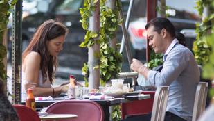 Katie Holmes új szerelmének anyja helyteleníti fia kapcsolatát
