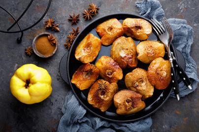 Fahéjas sült birsalma: melengető desszert mézzel meglocsolva