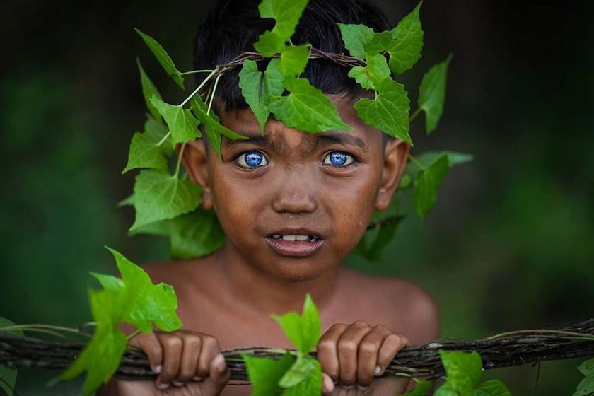 Mivel kicsi és zárt törzsről van szó, így ennek köszönhetően olyan jellemvonásokkal rendelkeznek itt, mint csak kevesen a világban.