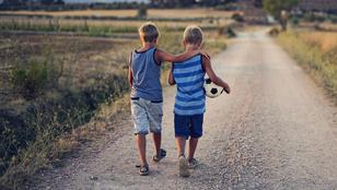 Így segíts a gyerekednek, hogy igaz barát legyen