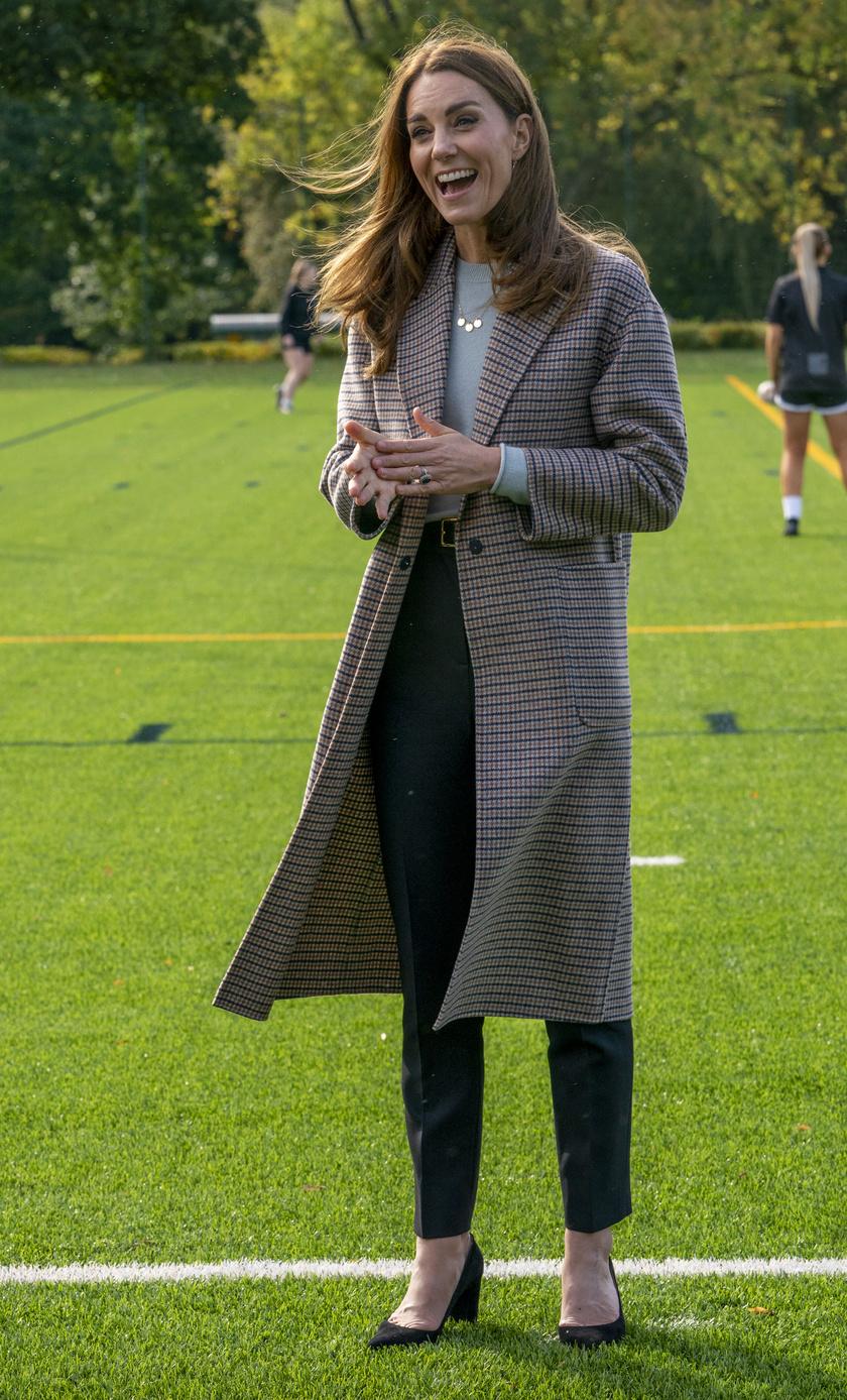 Katalin hercegné tegnap viselt őszi szettje telitalálat volt.
