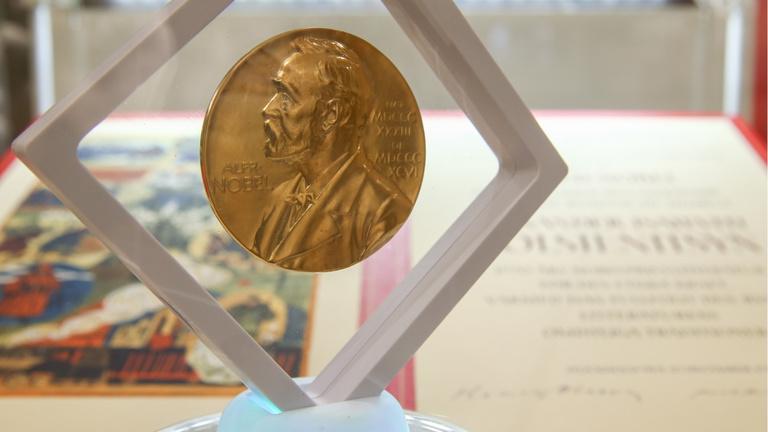 Kinek adná az irodalmi Nobelt?