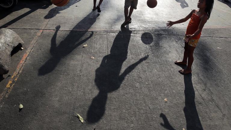 Európai Számvevőszék: a járvány súlyosbíthatja a gyermekszegénységet