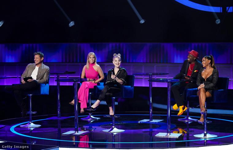 A találgatást itt is hírességek segítik-vezetik, az amerikai műsorban olyan hírességek szerepeltek, mint Nick Lachey, Cheryl Hines, Kelly Osbourne Arsenio Hall és Adrienne Bailon-Houghton.