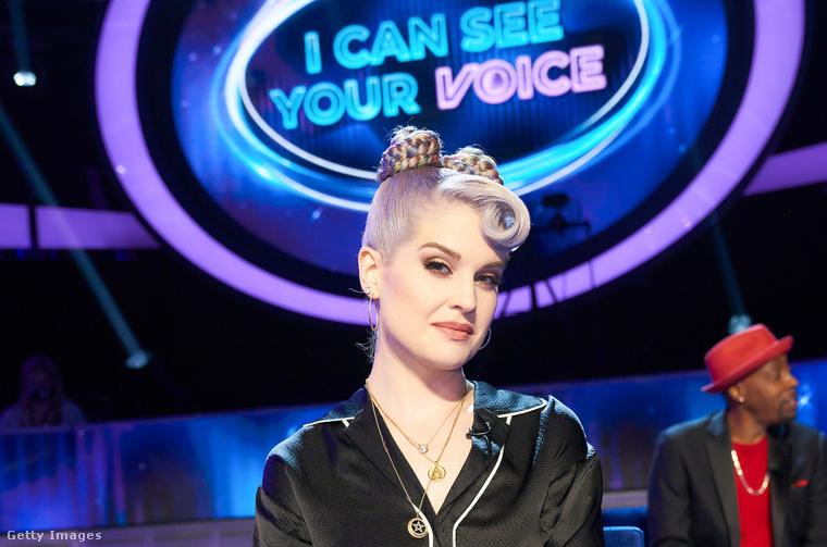 Kelly Osbourne az I Can See Your Voice című műsorban. Egyékbént ha a cikkben látható képekre kattint, nagyobb verzióban is megnézheti őket!