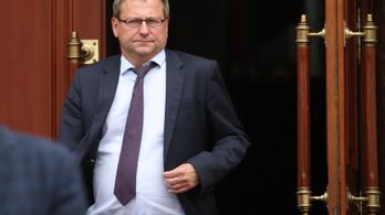Lettország és Észtország is hazahívja a minszki nagykövetét