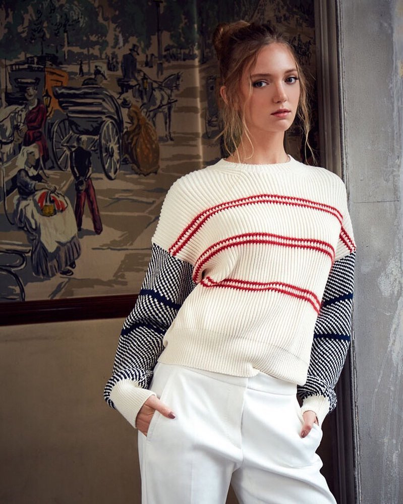 A 26 éves Eleonóra idén fejezte be egyetemi tanulmányait, Milánóban szerzett ékszertervezői diplomát