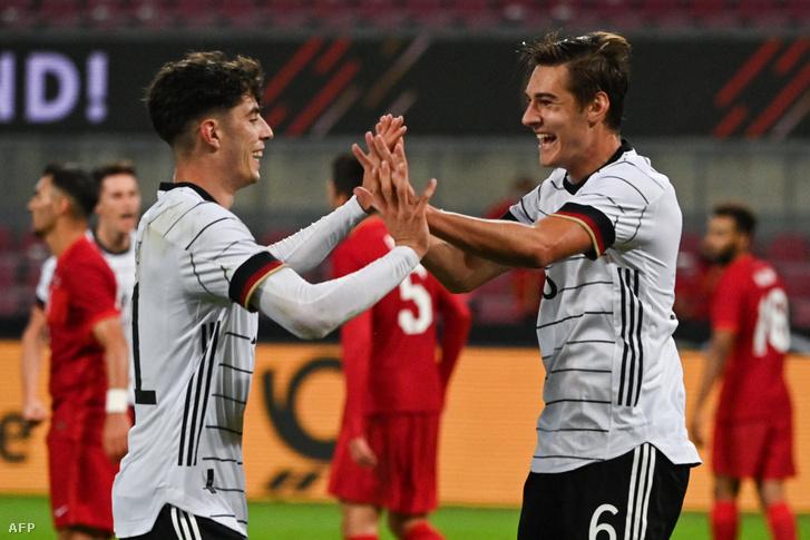 Hai Havertz (balra) és Florian Neuhaus