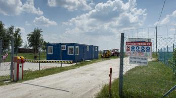 Környezetvédelmi területen dübörögnek a Mészáros-cég kamionjai