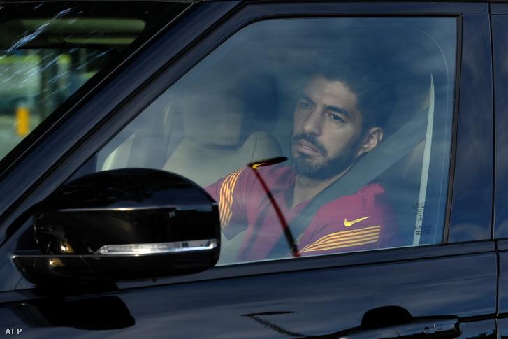 Suárez a Barca edzőközpontját is könnyek között hagyta el