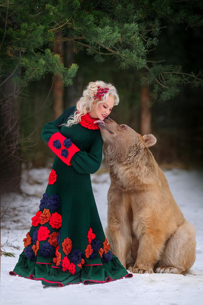 Bármennyire is barátságos legyen Stepan, fél óránál tovább egyetlen fotózás sem tartott, nehogy megunja a munkát, és ezért felbőszüljön az állat.