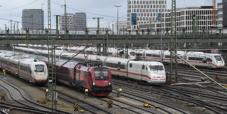 A Deutsche Bahn vonatai Münchenben