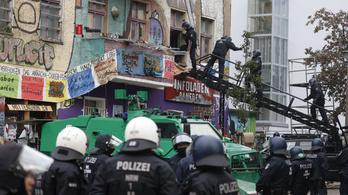 Rendőrségi akció lett a vége a házfoglalásnak