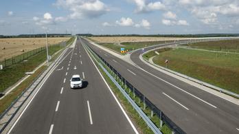 Tíz kilométeres felújítás kezdődik hétfőtől az M3-ason