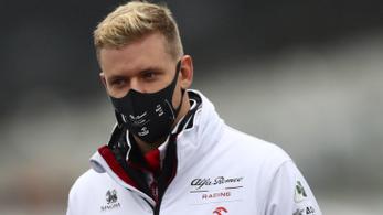 F1: elmosta az eső Mick Schumacher debütálását