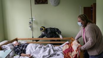 Egy nap alatt több mint százan haltak meg a koronavírus miatt Ukrajnában