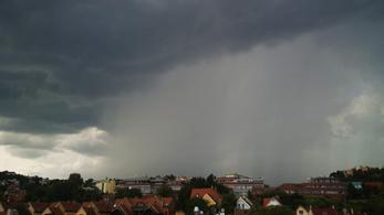 Több hullámban jön Magyarországra az intenzív eső