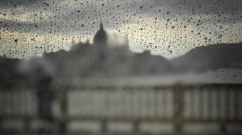 Elmossa az országot az eső, kedden tovább romlik az idő