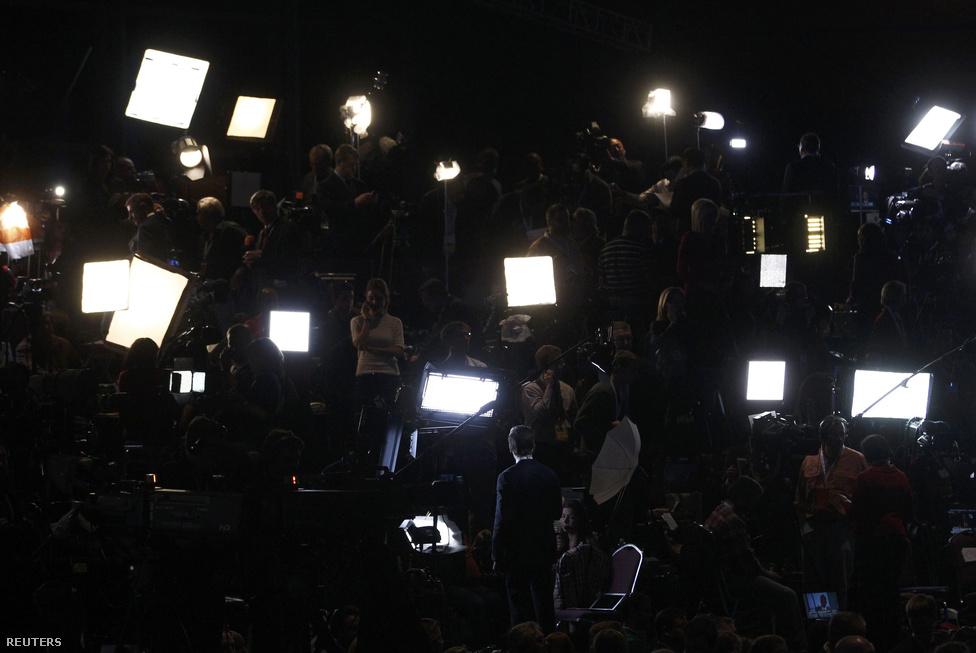 Bostonban a média várja az eredményeket.