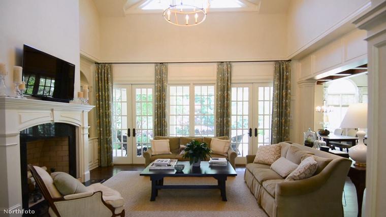 Josh Brolin 3,25 millió dollárért, közel 1 milliárd forintért adta el a 2003-ban épített, Atlanta közelben található 5 hálószobás lakását.