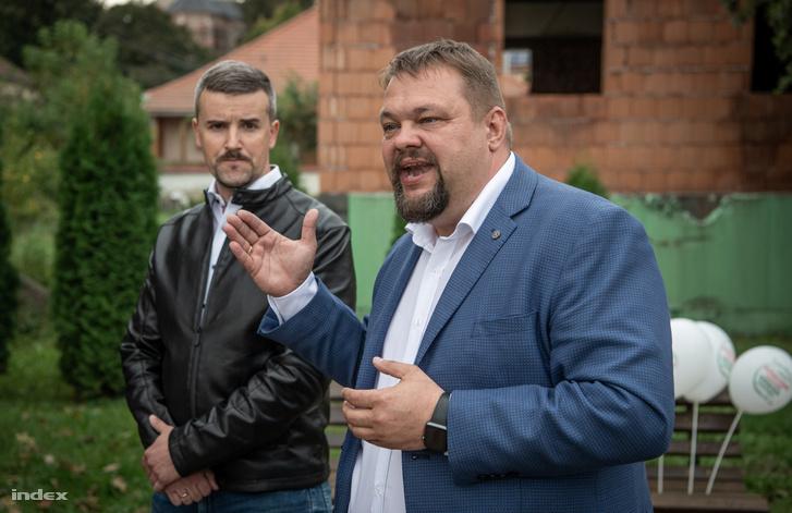 Bíró László és Jakab Péter Bodrogkeresztúron a választás előtt október 8-án