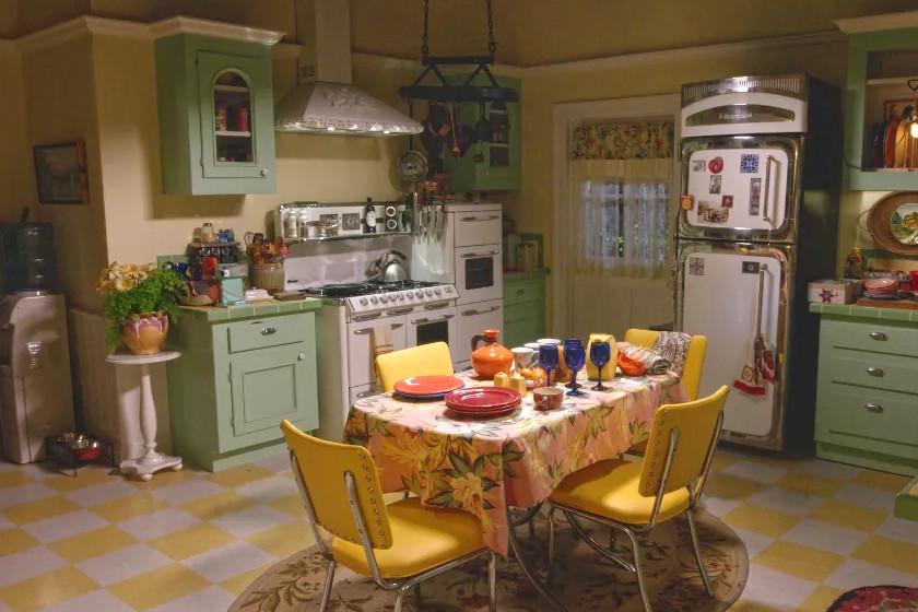 Melyik sorozatban szerepelt ez a konyha?