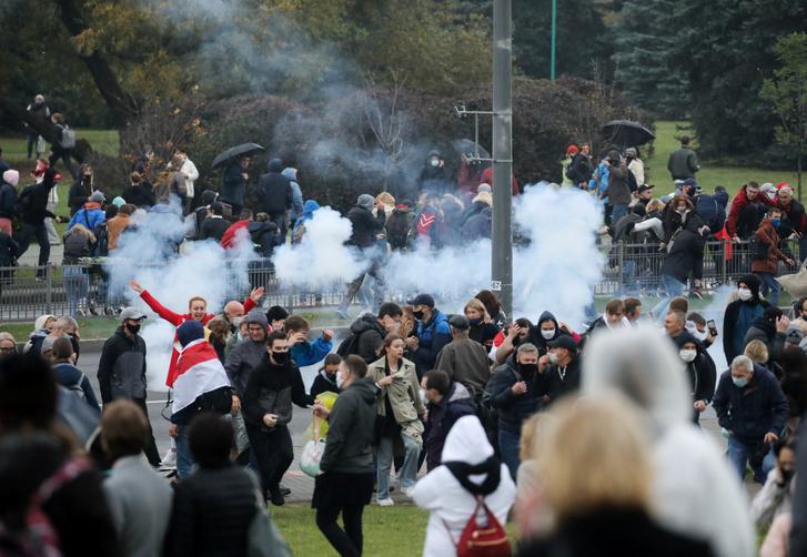 Tüntetés Minszkben 2020. október 11-én.