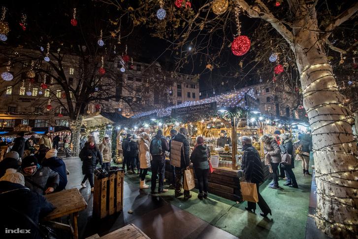 Ilyen idén nem lesz, 2018-as karácsonyi várás a Vörösmarty téren