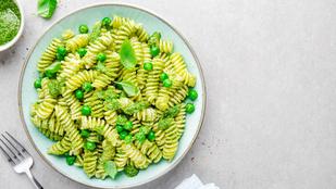 Ez a gyors tésztaétel a krémes avokádótól lett még egészségesebb