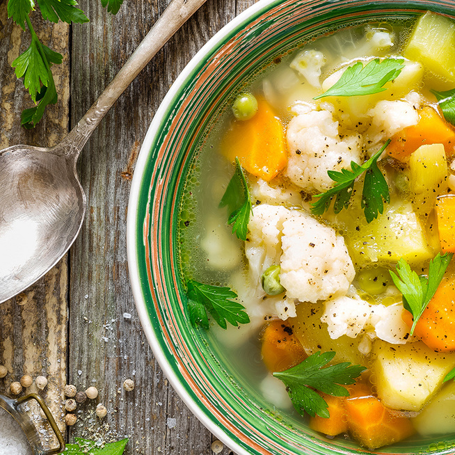 Gyomorgyógyító zöldségleves: az ünnepi lakoma után kíméli a megterhelt gyomrot