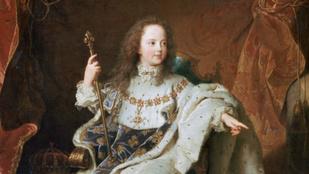 Kisgyerekek a trónon: vérfertőző házasságok, kicsapongások és kegyetlenkedések