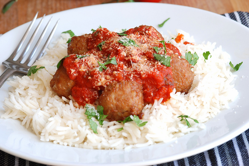 Darált pulykahúsból készült, szaftos húsgombóc: így készítve nem fog szétesni a húsgolyó