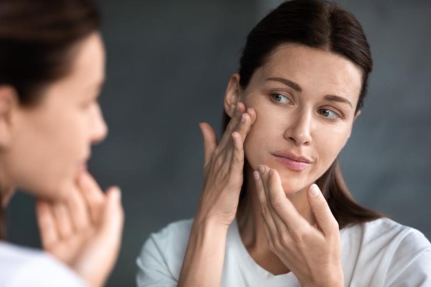 Állandó pattanásokat, fokozott hajhullást okoz a demodex atka: 7 tünet, amikor érdemes orvoshoz fordulni
