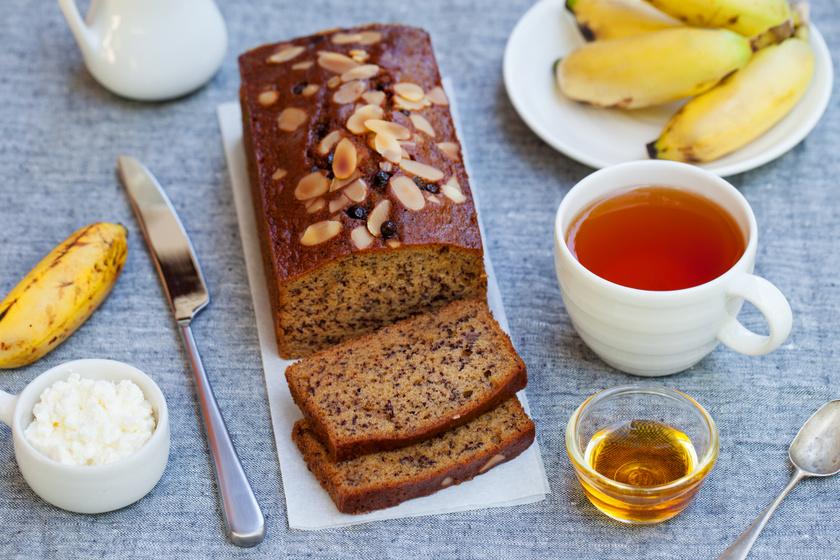 Pihe-puha banános, mákos süti: csak keverj össze mindent