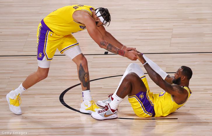 JaVale McGee mindig ott volt, ha LeBron Jamesnek segíteni kellett