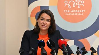 Novák Katalin: Hárommillió forintig átvállaljuk a felújítási költséget már az egygyermekeseknél is
