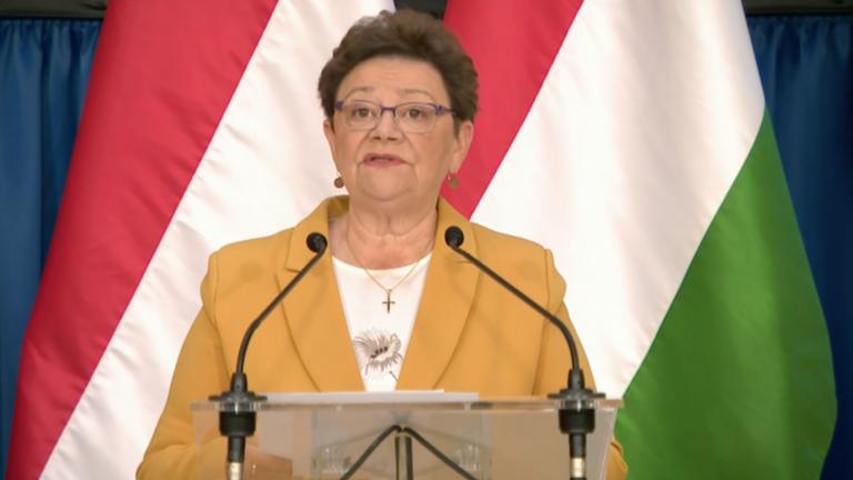 Müller Cecília végre elmondta, hogy kik kapnak az új magyar gyógyszerből