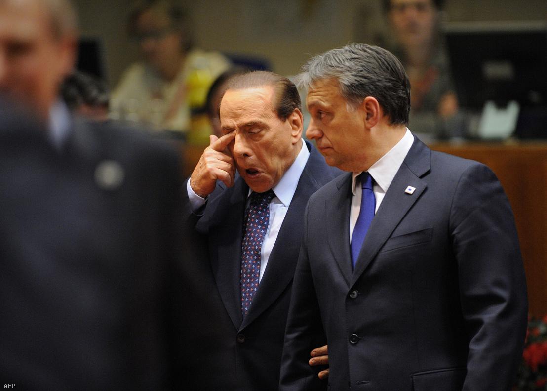 Silvio Berlusconi olasz miniszterelnök és Orbán Viktor Brüsszelben, 2011. október 26-án.