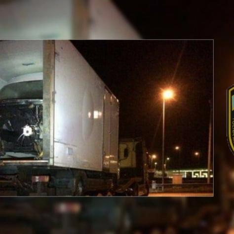Az M6-os Fácánkerti pihenőjében ellenőrzött balesetveszélyes járműszerelvény
