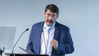 Áder János elrendelte az új egészségügyi törvény kihirdetését