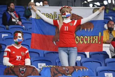 Orosz szurkolók a mérkőzés előtt