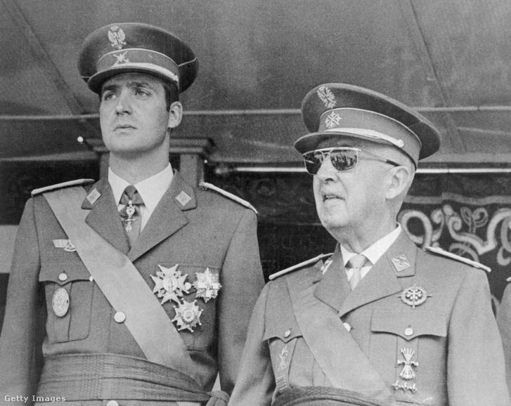 Juan Carlos Alfonso Víctor María de Borbón y Borbón (balra) és Francisco Franco 1971-ben Madridban