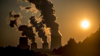 Sosem látott mértékben csökkent a szén-dioxid-kibocsátás a világon