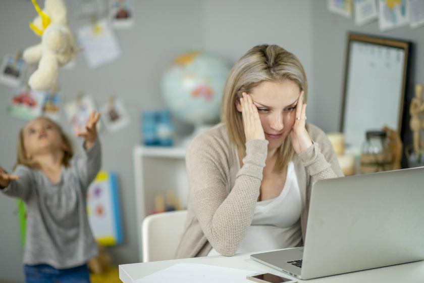 A gyereknevelés vagy a sok munka a stresszesebb? Meglepő eredményre jutott a kutatás