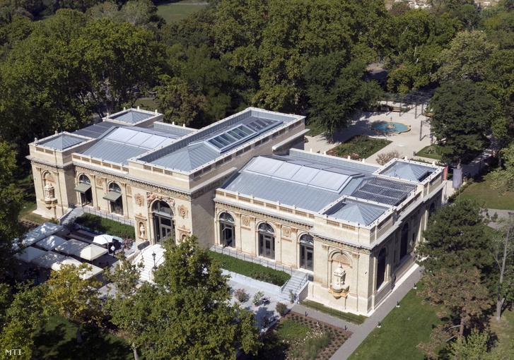 A Liget Budapest Projekt keretében megújult Millennium Háza (volt Olof Palme ház) a Városligetben 2020. szeptember 12-én
