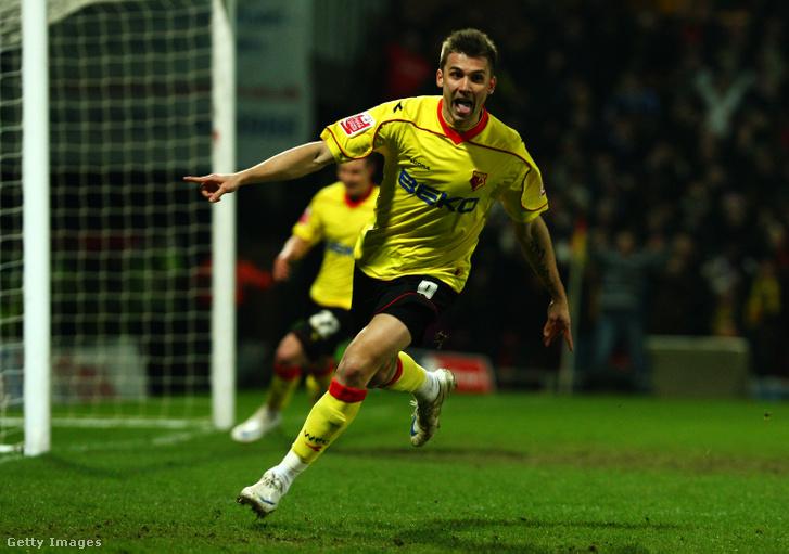 Priskin Tamás ünnepli gólját a Watford játékosaként a Chelsea elleni mérkőzésen 2009. február 14-én
