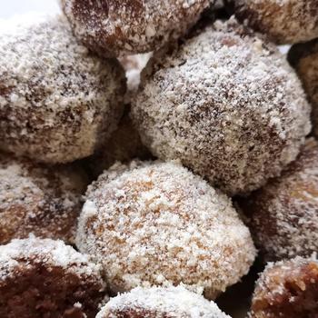 Villámgyors, sütés nélküli puncsgolyó – Házi baracklekvárral lesz az igazi