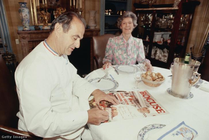 Paul Bocuse és felesége az éttermükben 1984-ben